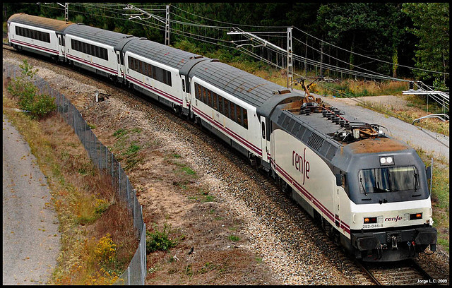 [Imagen: Tren-Arco.jpg]