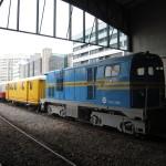 maquina diesel y vagon de correos