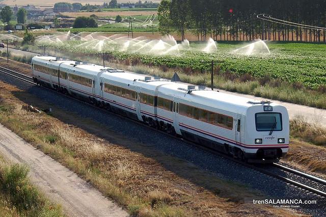 horario trenes cercanias valencia: