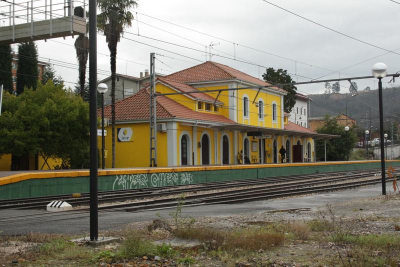 Feve pone trenes nocturnos para acudir a las fiestas de el for Horario de trenes feve