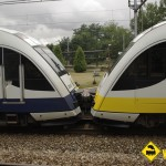 Tren FEVE doble composicion