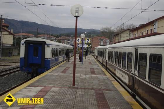 Trenes turísticos FEVE