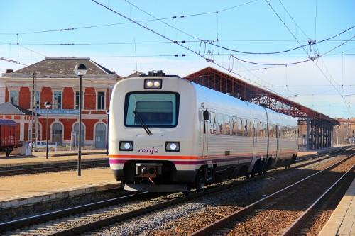RENFE mantiene, de momento, los trenes de Media Distancia de Zamora y Ourense a Puebla de Sanabria