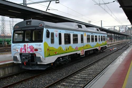 """Temporada 2013 del tren turístico """"Ruta de los Jardines de la Camelia"""" entre Vigo y Santiago de Compostela"""