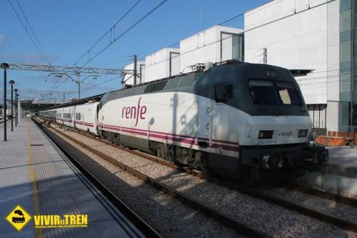 Última conexión ferroviaria nocturna entre Asturias y Barcelona