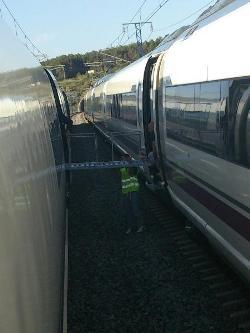 Por una avería, retrasos de hasta 2 horas en los trenes AVE entre Barcelona y Madrid