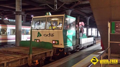 Dresina en la estación de Oviedo
