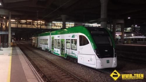 Tram de Cádiz en la estación de Oviedo