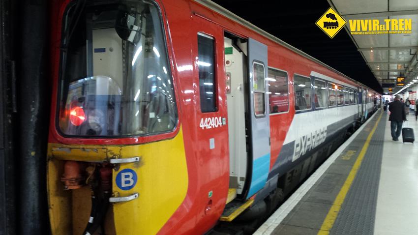 gatwick trenes: