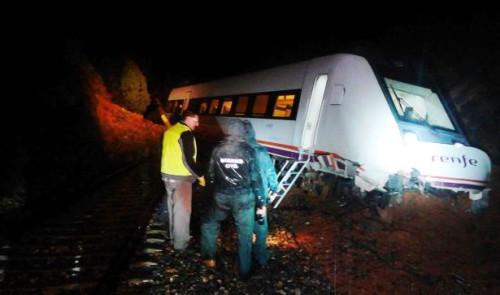 Descarrilla un tren de Media Distancia en Teruel