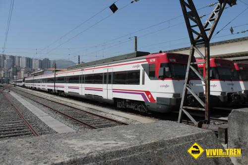 Los trenes de Cercanías circularán las 24 horas durante las Fallas en Valencia