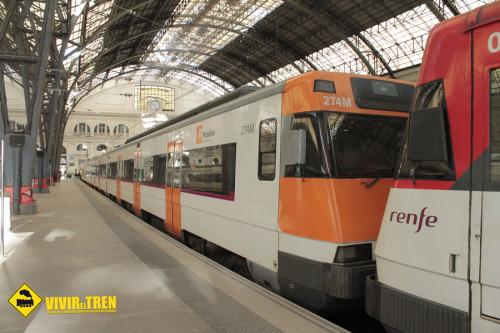 Viaja en tren al parque de atracciones Port Aventura