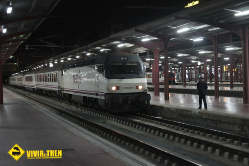 Renfe pone fin a los trenes Estrella nocturnos en España suprimiendo esta madrugada el Tren Estrella Costa Brava