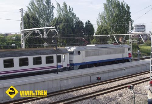 La locomotora histórica 269.604 La «Gata» ya circula con sus colores originales