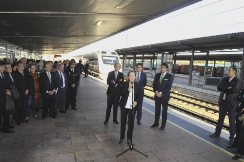 """Hoy ha tenido lugar el estreno """"oficioso"""" del nuevo tramo electrificado Medina del Campo – Salamanca"""