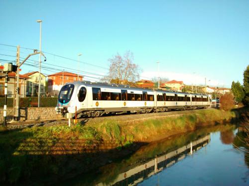 Euskotren presenta las nuevas unidades de la serie 950 construidas por CAF