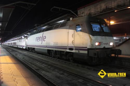 Locomotora 252.042 Alvia Picasso + TrenHotel Madrid Chamartín – Galicia