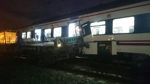 Choca un tren de Cercanías con un tren de mercancías en Hernani