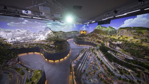 Más de un centenar de trenes en miniatura circulan por las maqueta de 400m² del museo Hans-Peter Porsche TraumWerk
