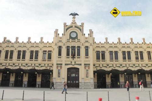 Trenes de Cercanías especiales y refuerzos durante las Fallas de Valencia