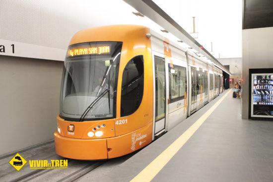 FGV recupera el Tramnochador, el servicio nocturno en el TRAM de Alicante durante verano