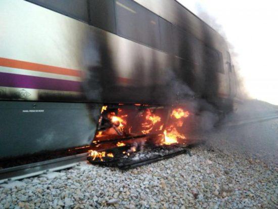 Se incendia un vagón del tren de Media Distancia Huelva – Extremadura – Madrid