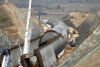 Falso tunel AVE