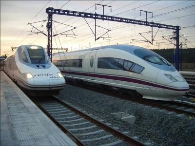 varios trenes ave