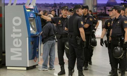 policia nacional Metro Madrid