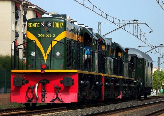 Traslado de la locomotora La Mataro junto a 3 Ye-Ye de Vilanova a Lleida