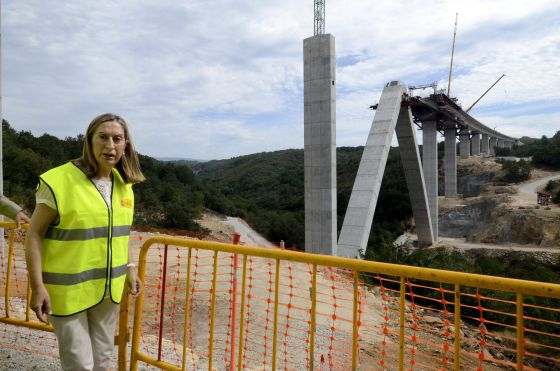 obras AVE Galicia Ana Pastor