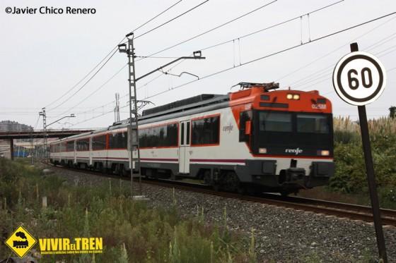 Trenes Cercanías y Regionales circulando por Cantabria