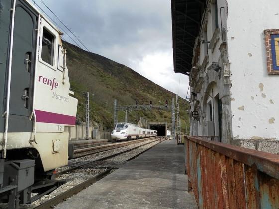 AVE Asturias