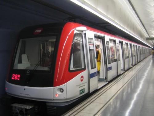 Reducen frecuencias en algunas líneas del Metro de Barcelona