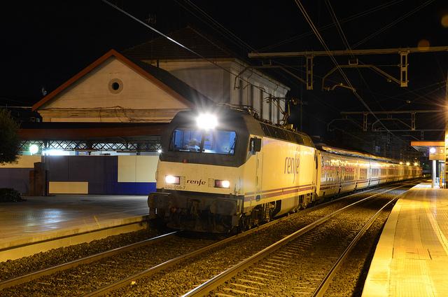 Renfe Modifica El Horario Del Trenhotel Granada Barcelona Vivir El Tren Historias De Trenes