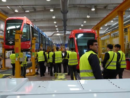 Representantes internacionales del sector ferroviario visitan las instalaciones de Metro Ligero Oeste