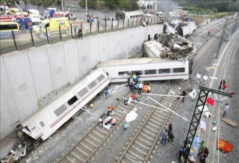 Descarrila el tren ALVIA 151 Madrid – Ferrol en Santiago de Compostela