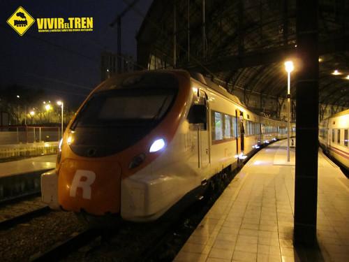 RENFE refuerza las conexiones entre Portbou y Barcelona a primera hora de la mañana
