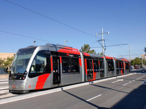 Los tranvías de Zaragoza circularán las 24 horas durante las Fiestas del Pilar