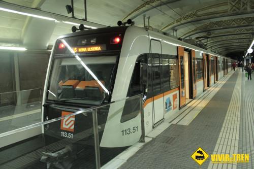 Viaje a Barcelona (III). Tren S-113 de FGC