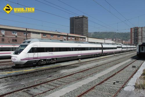 Renfe estudia comprar 40 nuevos trenes que entrarán en servicio en 2018