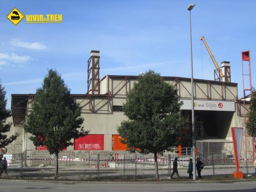 Demolición de la histórica estación de El Humedal de Gijón