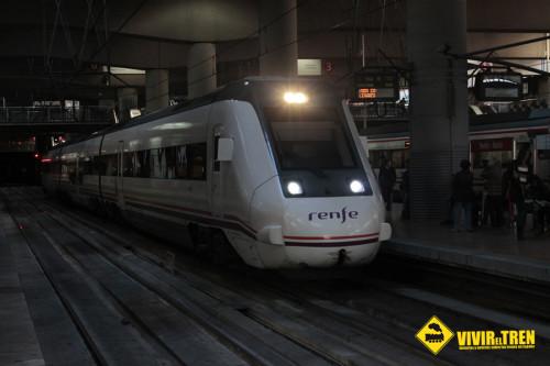Renfe refuerza los trenes de Media Distancia desde Alicante, Alcoi, Vinaròs y Murcia a Valencia durante las Fallas