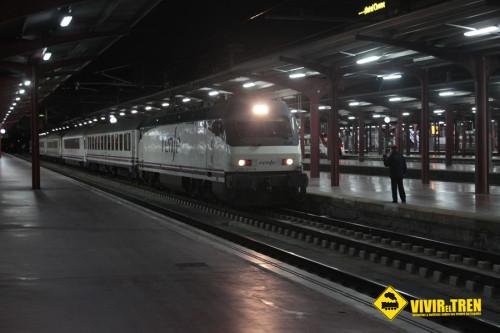 Renfe abarata el precio de los billetes AVE para suplir la supresión del Tren Estrella Costa Brava
