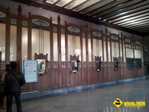 Renfe sube un 2% los gastos de gestión por la compra de billetes en estaciones