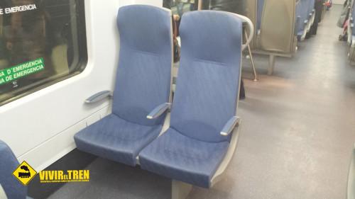 Renfe sustituye los trenes S-470 de las líneas R15 y R16 por S-447 remodeladas