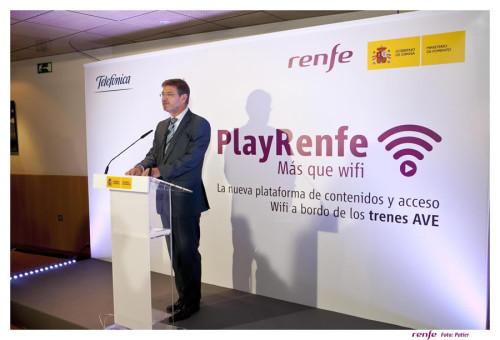 Renfe empieza a ofrecer WiFi y entretenimiento a bordo en los trenes AVE