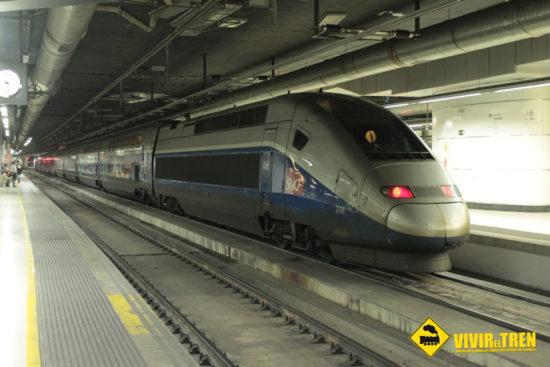 Renfe y SNCF programan este verano un servicio directo entre Barcelona y Disneyland Paris