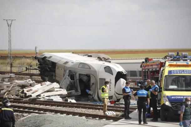 Descarrila un tren Alvia en Zamora tras arrollar a un todoterreno